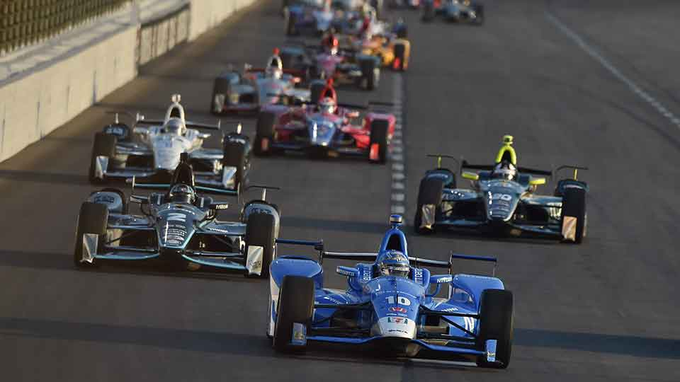 Tony Kanaan leads the pack at Texas Motor Speedway